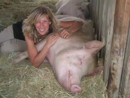 Colleen Patrick-Goudreau with pig.jpg