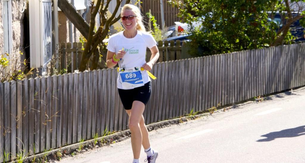 Hilde løper triatlon. Foto.
