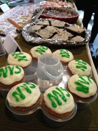 Muffins og kaker på NVS sin stand. Foto.